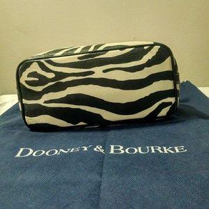 Dooney & Bourke Bags - Dooney & Bourke leather handbag